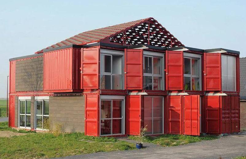 Maison conteneur rouge