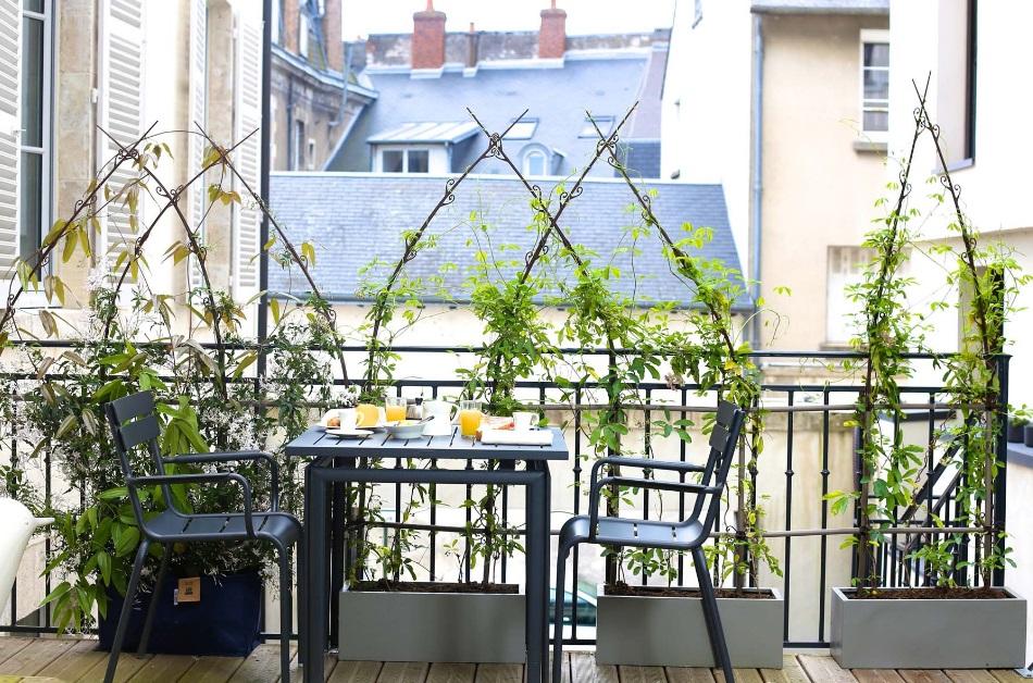 Table et chaises de balcon