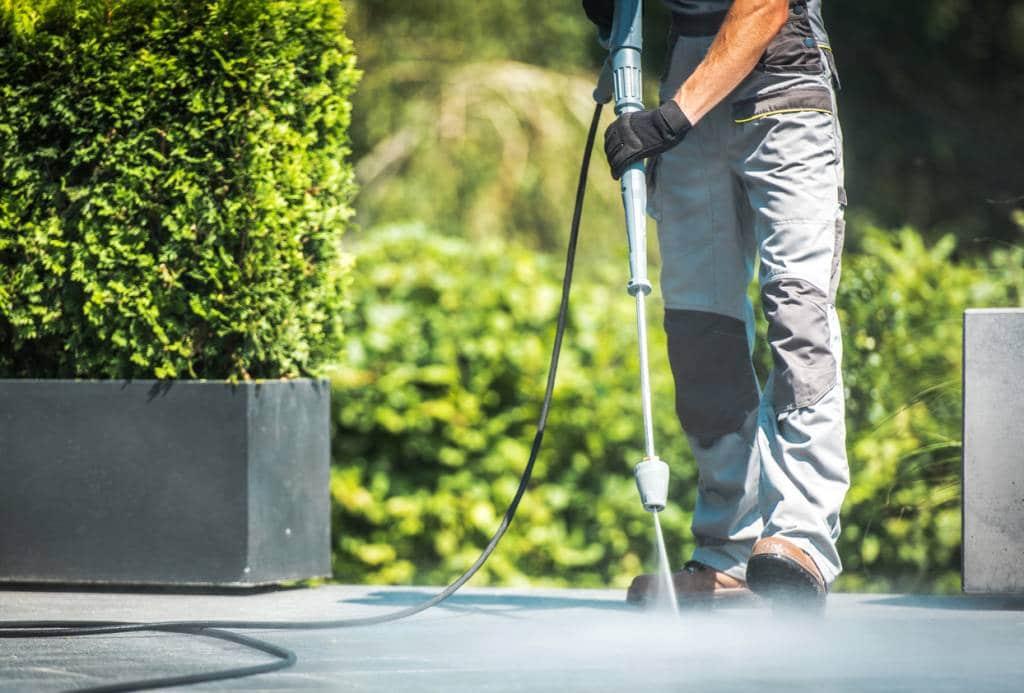 Nettoyage d'une terrasse