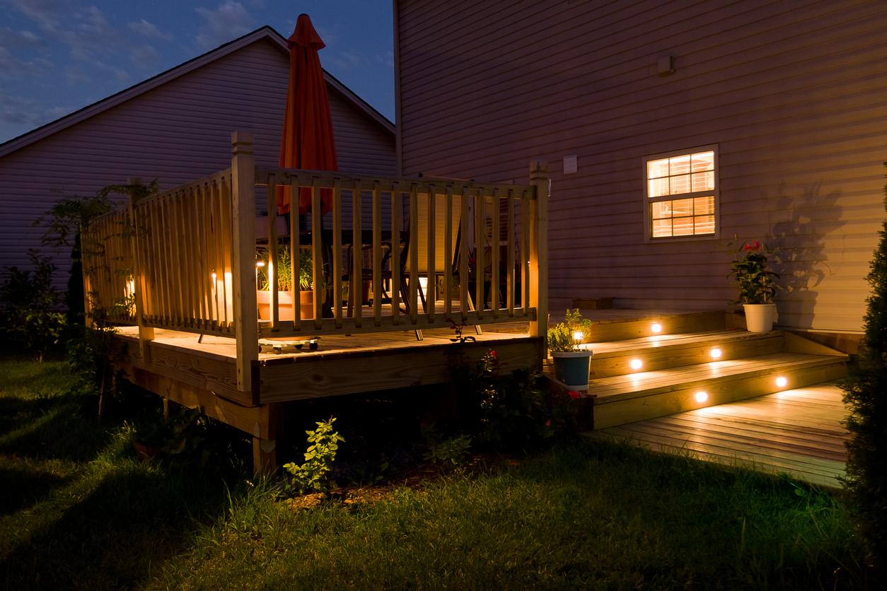 éclairage nocturne maison extérieur