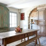 Comment préparer vos meubles en bois et utiliser de la peinture acrylique ?